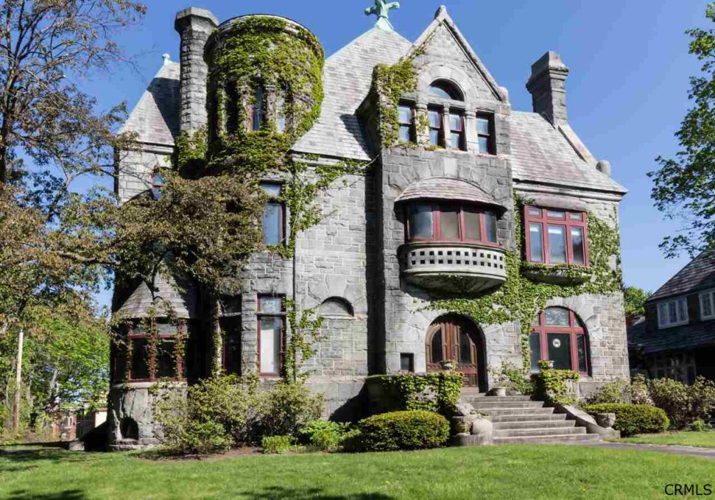 9 mansions you can buy with friends for less than 100 000 for Modern house upstate ny